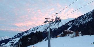 Schneebericht: Stürmische Tage für die Skigebiete stehen bevor