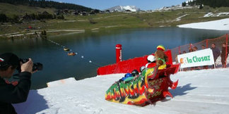 155m+ Slide Across Lake For La Clusaz?