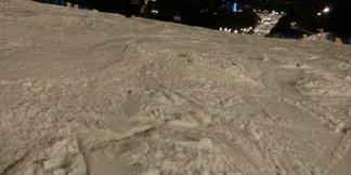 Zakopane - Polana Szymoszkowa - Śnieg mokry. Nie ma kolejek do wyciągów. byłem po godzinie 16.00, były wielkie muldy.  - ©1Marek133