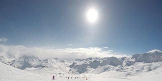 Schneebericht: Viel Sonnenschein für den Alpenraum, am Wochenende wechselhafter - ©Tignes/Facebook