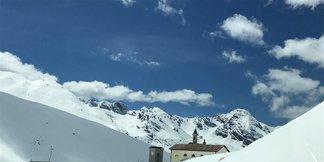 Sciare d'estate al Passo Stelvio: dal 27 Maggio tutti in pista! - © Pirovano Stelvio Facebook
