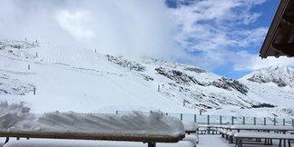 Schneebericht: Skibetrieb auf den Gletschern, Saison auf der Südhalbkugel gestartet - ©facebook Hintertux