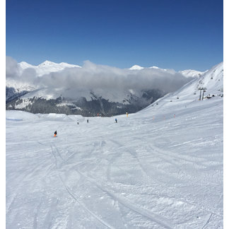 Davos Klosters - Amazing conditions for this time of year, only 7 runs open, but worth the visit  - ©KARL HOWKINS's iPhone