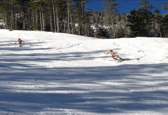 awsome day on sunday, couldn't ask for better, even some spring skiiers.
