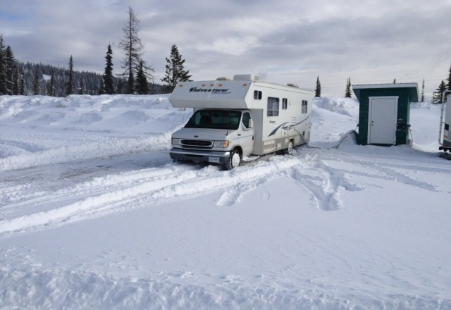 amazing powder and great staff, just arrived and snow clearing plow guy came out of his way to clear a spot beside our rv! great customer service!