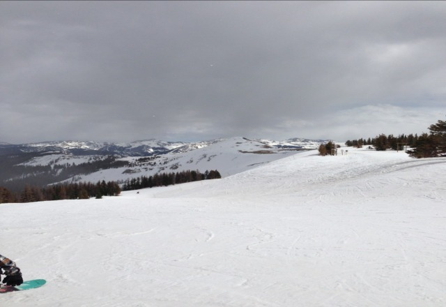 Another fine day of spring Skiing at Wolf Creek. Very light snow in the afternoon.