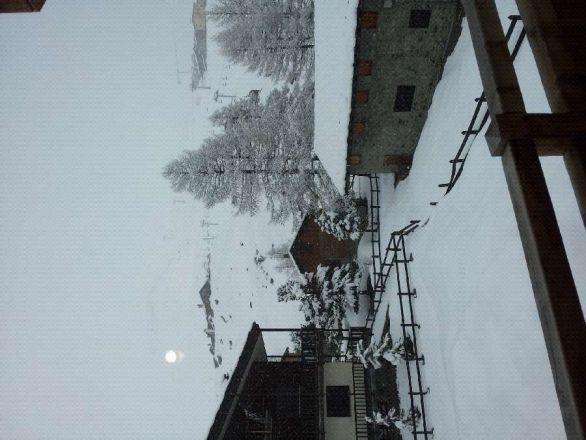 ora a Cervinia nevicata! grande accumulo, aspettiamo the sun.