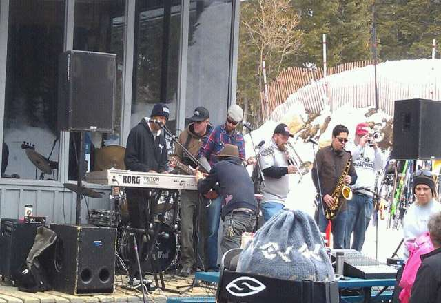 Great day Saturday. Surprisingly no crowd. Great band at Totemoff