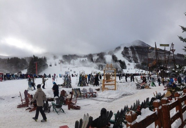 Great conditions yesterday, even late in the day. A little crowded but no one seemed bothered by it at all! Ski the East!
