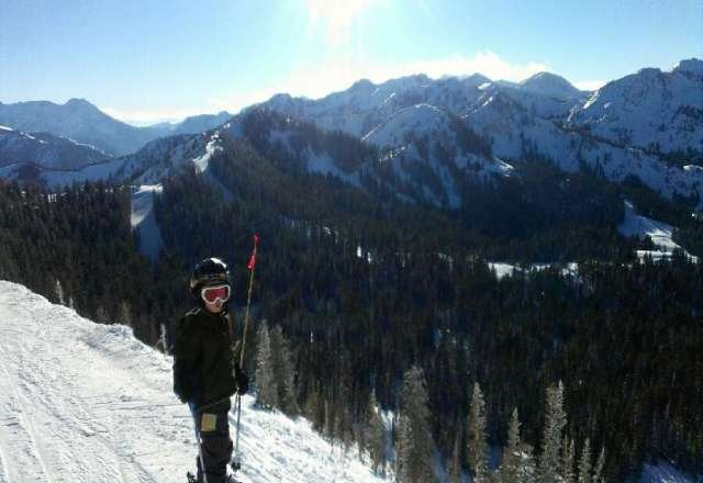 Beautiful day on the mountain. Pic from top of great western, my 6 yr old getting ready to hit Reins run