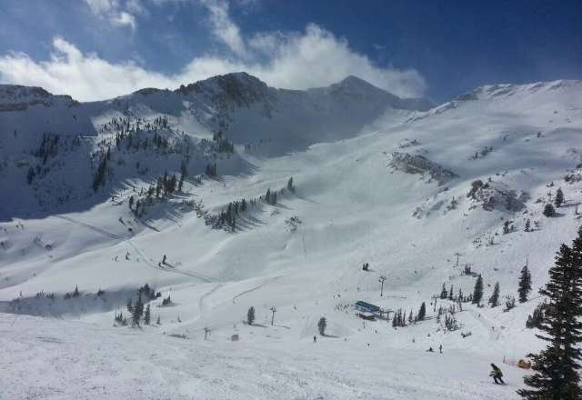 Another from Friday, this one is mineral basin. Incredible resort, incredible conditions!