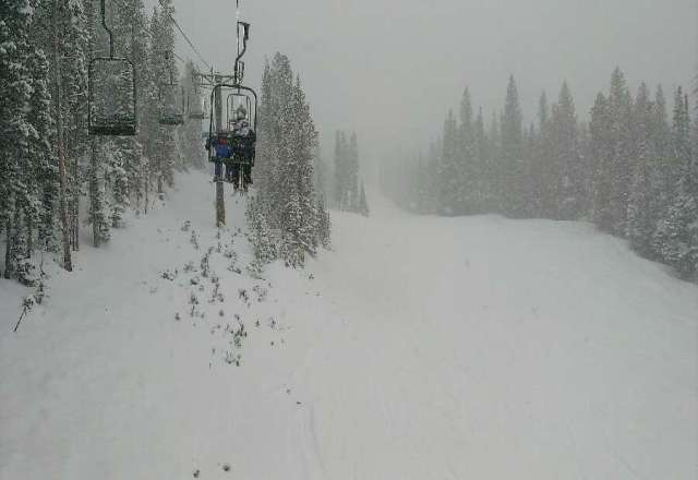 Light snowfall all day yesterday made for epic runs!