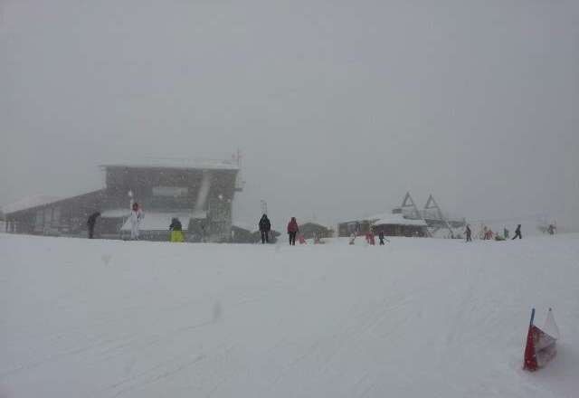 currently in Avoriaz. snowed 9am to end of day! bashing powder all day. fantastic stuff!!!