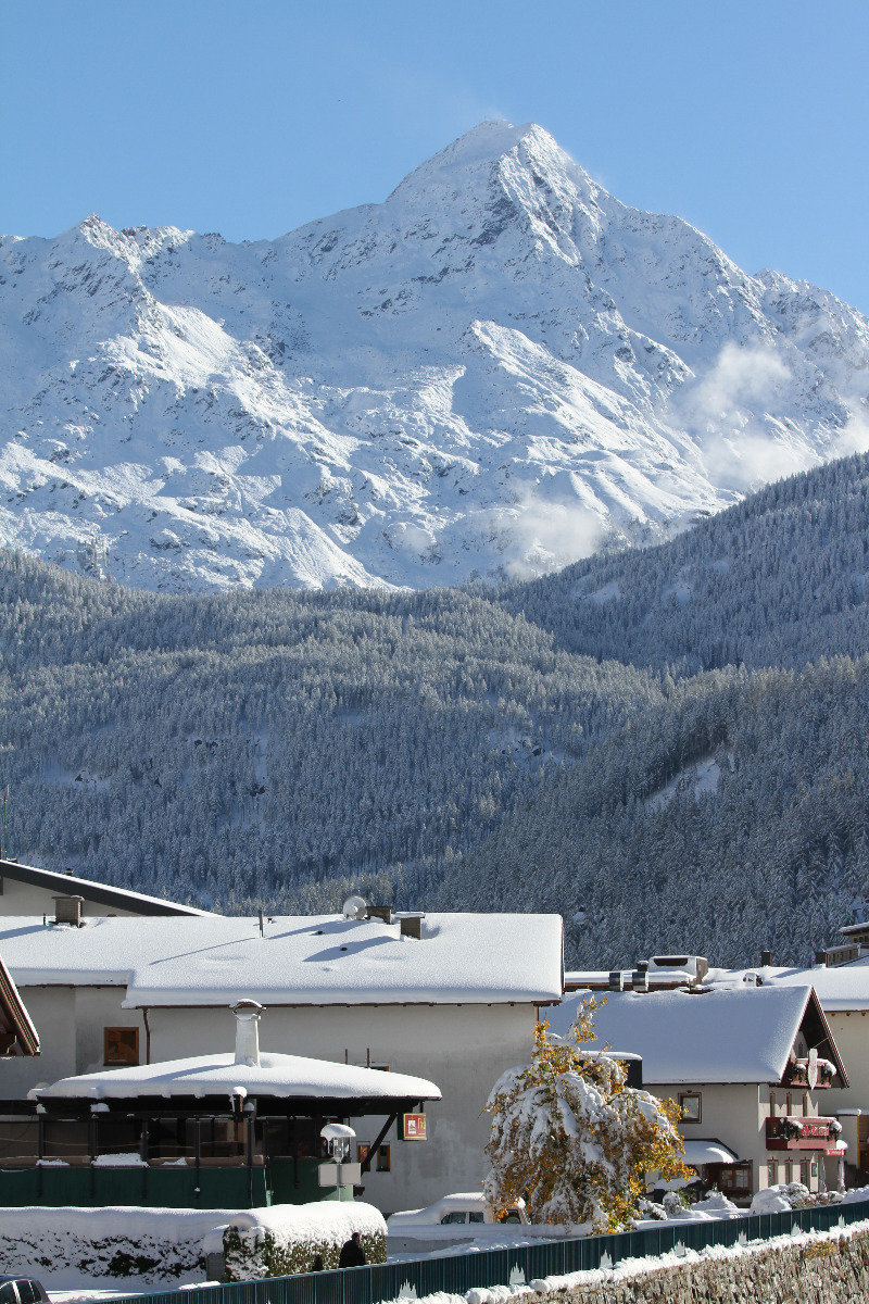 Snow in Soelden 11.10.13 - ©Skiinfo