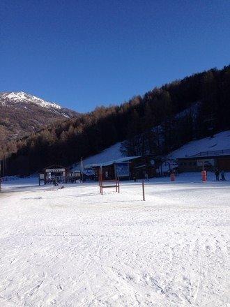 Poche piste aperte, alcune con neve ghiacciata