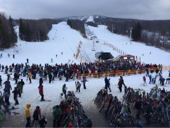 My first experience at Stratton has been forgettable. After skiing on ice for an hour on the outskirts of the mountain, I returned to base camp only to find an HOUR wait in the lift line! The Gondola is closed on the busiest day of the year and base camp is overrun with gullible patrons who are left to wait in line while they freeze. Stratton appears to have it all, but in reality they only have overpriced lift tickets and an outdoor DMV.