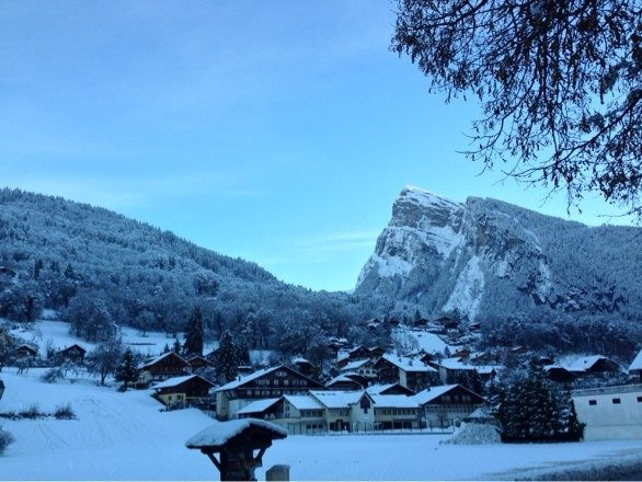 Samoens village - 27th December, all eager to hit yesterday's new snow!