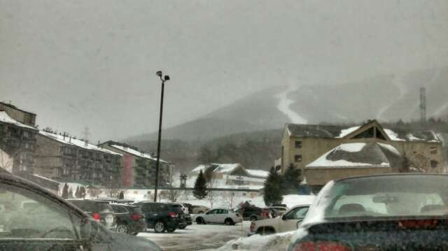 closed! lots of fresh pow but closed due to visibility. hopefully opens up by the afternoon.