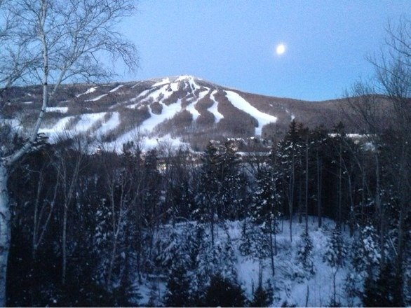 Beautiful morning shot - 7am as the moon sets and the day begins.   Great conditions over the weekend even with the cold. Can't wait to go back!