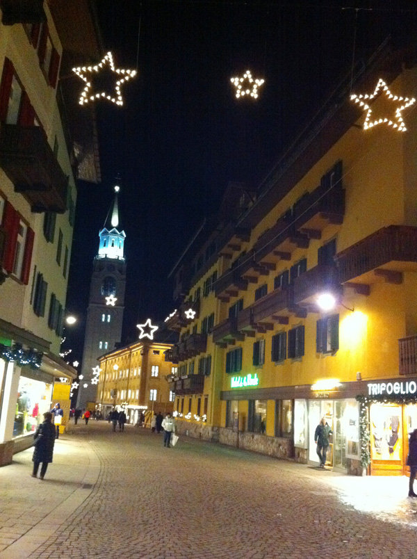 Cortina town centre at night
