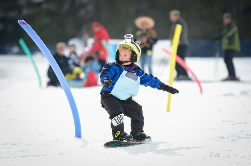 Young snowboarder at Ohio's Snow Trails
