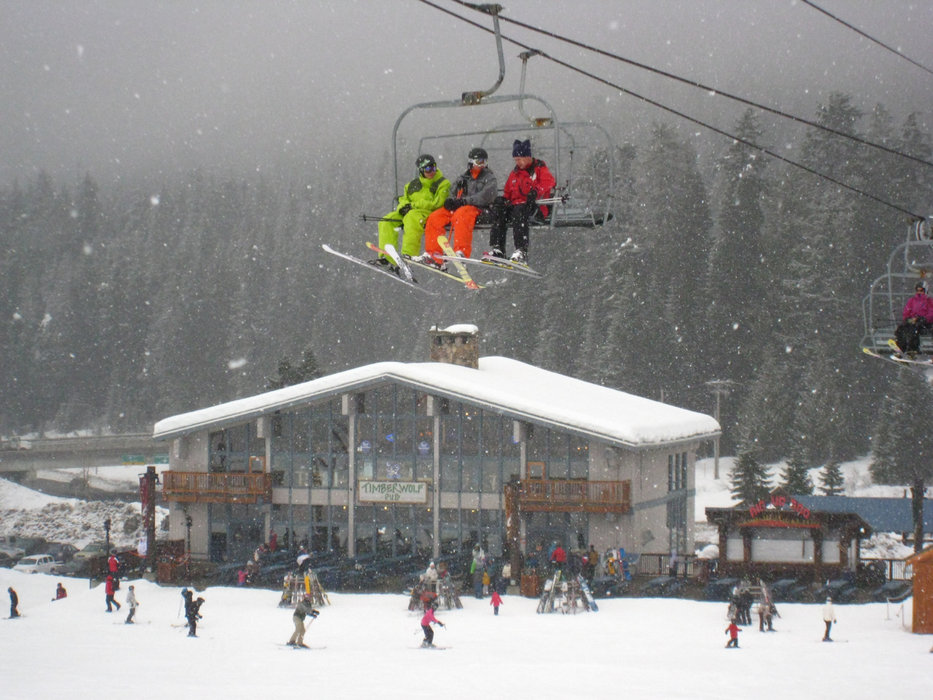 Summit West at the Summit at Snoqualmie features mostly beginner and intermediate slopes with night skiing. - ©Becky Lomax