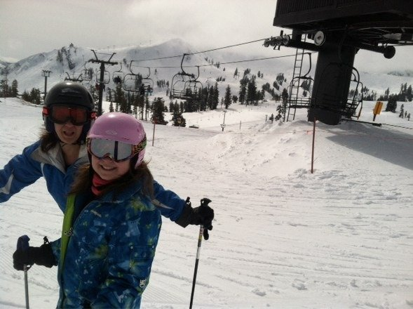 Sunny warm thick off Gold Coast cloudy cooler at peaks, terrain pk still closed