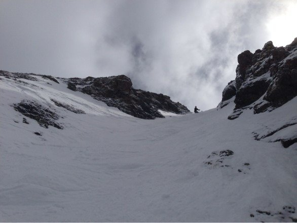 My bro dropping into gold hill 7. Great skiing!