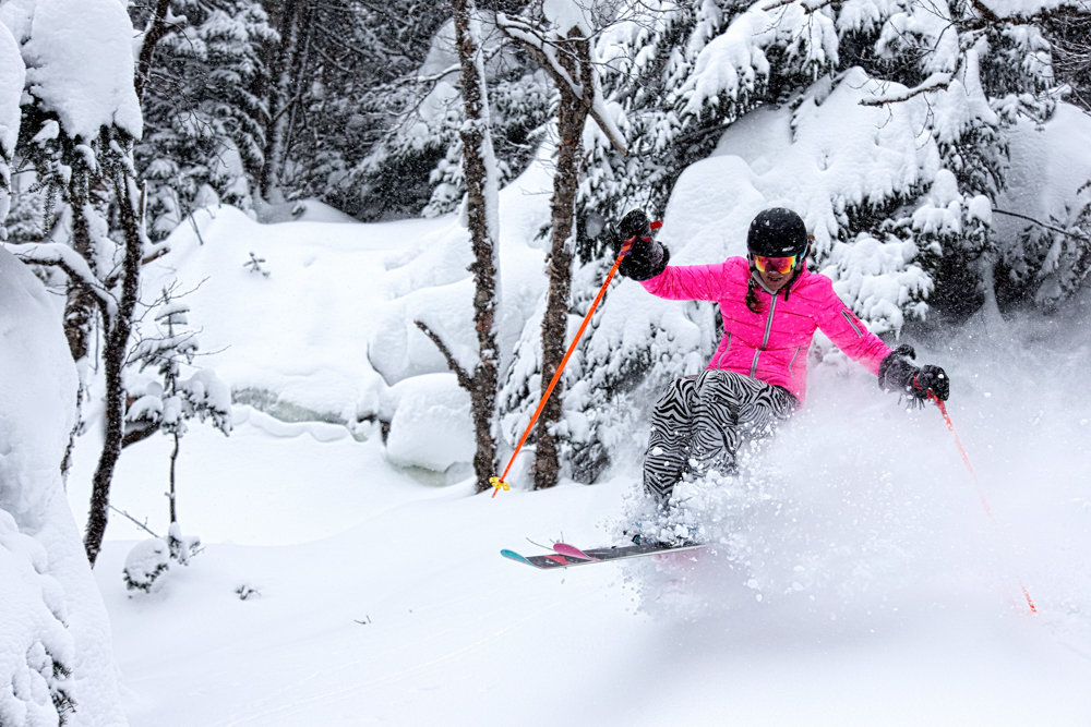 Trees, powder, bumps and jumps... Kristi Brown finds them all in one turn. - ©Liam Doran