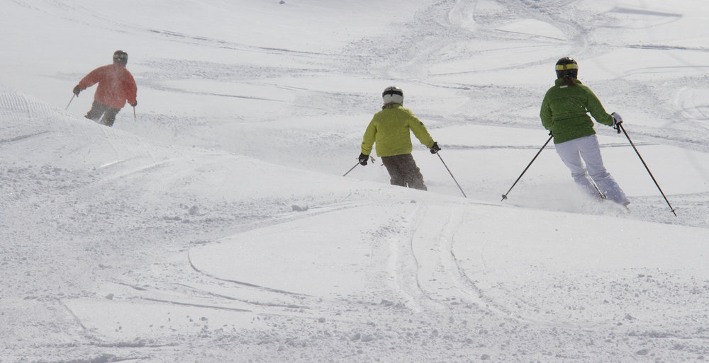Families love Okemo's big, wide swaths of corduroy and the gradual, rolling aspect of most descents. - ©Okemo Mountain Resort