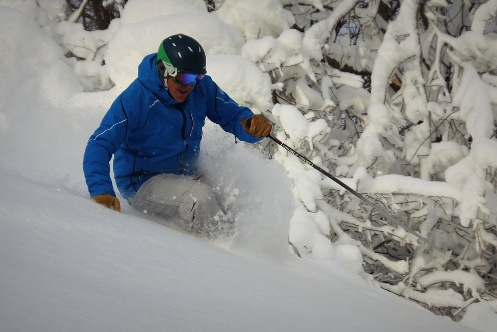 Plunging into powder on Nose Dive at Crystal.