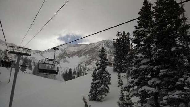 We are skiing and it's snowing! This photo was taken during a break in the snow. Little Cloud was turning for a bit.