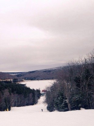 Beautiful ski conditions today, hoping for another great day on the mountain.