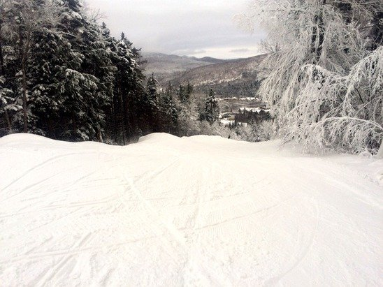 Glades are open, plenty of snow, not crowded. This is nice!!