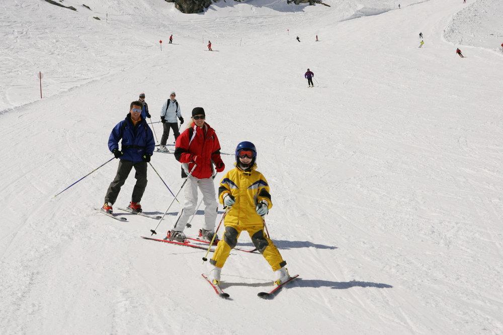Skiers at Mölltaler Glacier AUT