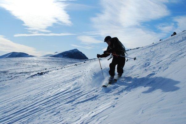 Galdhopiggen Glacier ski - ©Eirik Henanger | Mablung @ Skiinfo Lounge