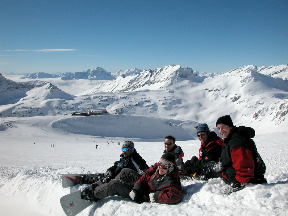 A group of boarders taking a break at Flattach Mölltaler AUT