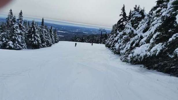 hard pack powder and found only a couple spots of ice. Suny day with small lift lines.