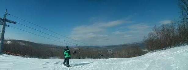 pretty good conditions this week with fresh snow everyday and more coming. enjoyed the North American the most, nice floaty ungroomed  powder
