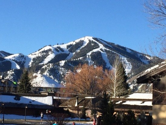 Beautiful weekend in Sun Valley. Spring skiing in February!