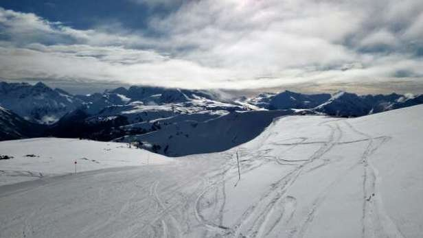 The top of both mountains are just fine, not great, but plenty of coverage.  Spring like on blue bird days, lots of fun !