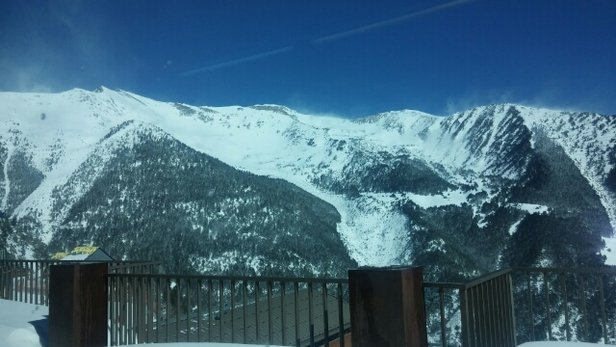 Vallnord / Pal-Arinsal - Great snow BUT very very windy almost stopping you ski !! - ©leeahenderson1969