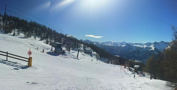 Bardonecchia - More snow needed but some good sking still to be had. Some runs icy and then slush in afternoon. - ©CS