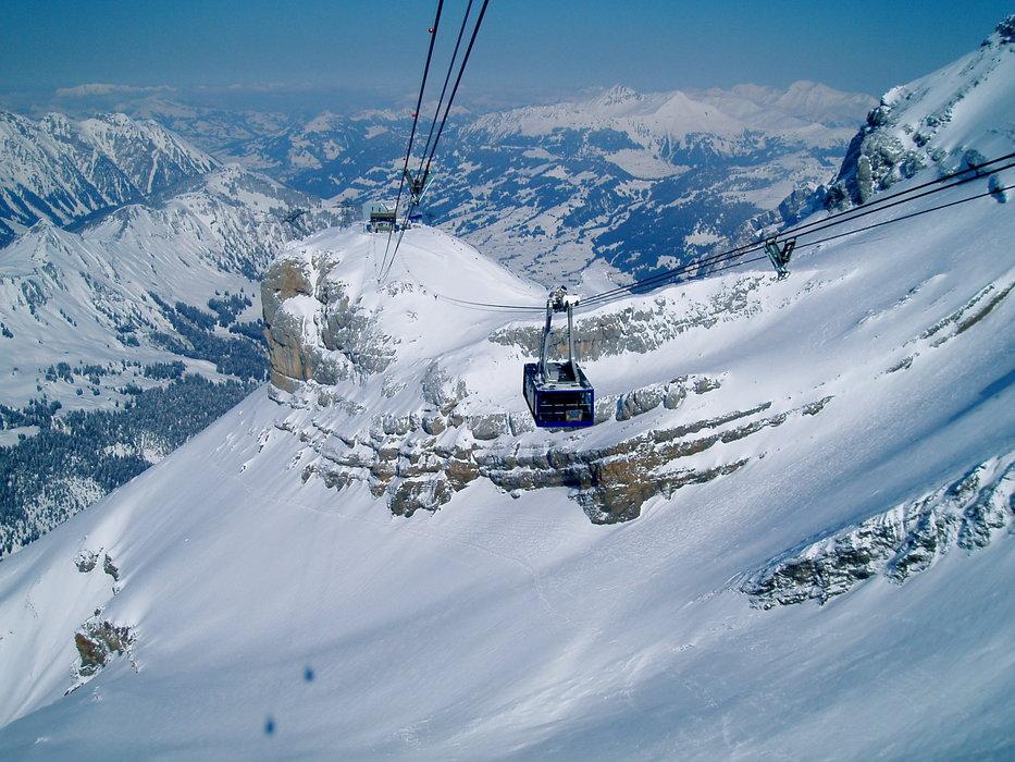 Gstaad - Glacier 3000 - ©@ril eide | @ril @ Skiinfo Lounge