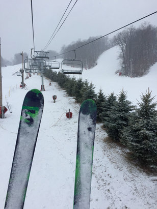 Bear Creek Mountain Resort - New snow made conditions great.   - ©Kevin's iPhone 6