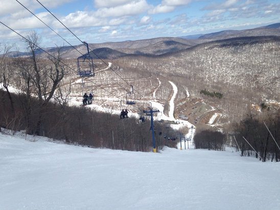 Plattekill Mountain - Wonderfully groomed, smooth runs, great owner, amazing place:) - ©GARY's iPhone