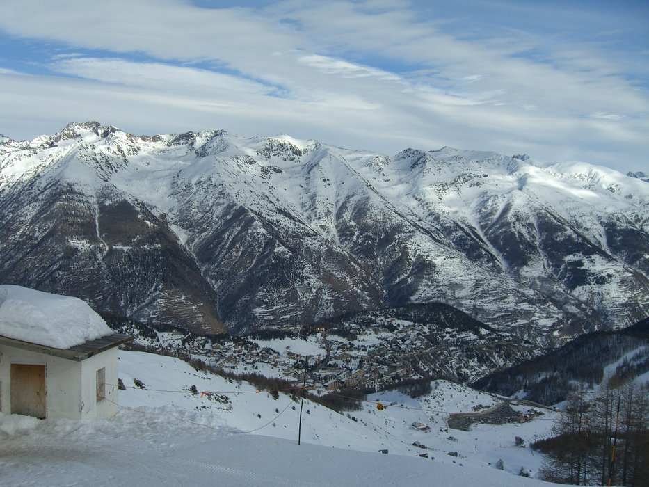 Auron village from Bercha - ©Jenny Cruse | Jennycruse @ Skiinfo Lounge