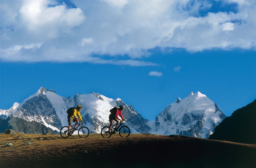 Mountain biking in Valais, Switzerland - ©Robert Boesch
