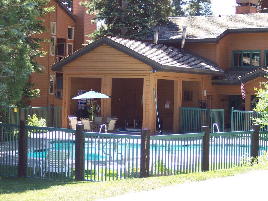 The pool area at Mountainback Condos.