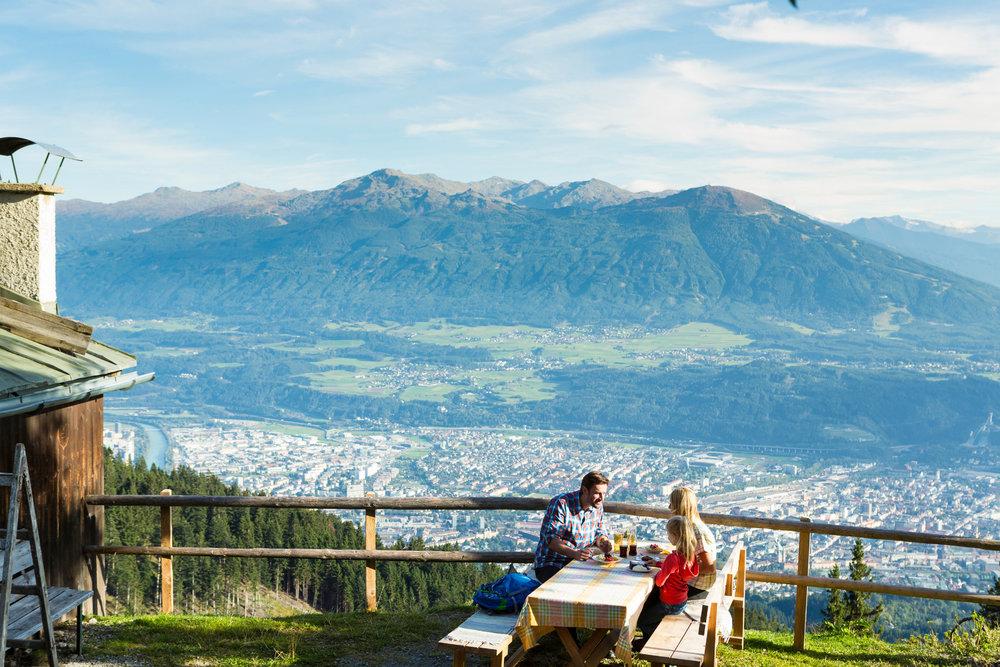 Wandern in Innsbruck und seinen Feriendörfern - ©Innsbruck Tourismus